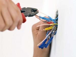 Evite estos errores en sus instalaciones eléctricas